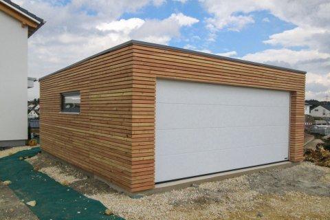Dřevěná dvojgaráž se společnými vraty 6,3x6 m